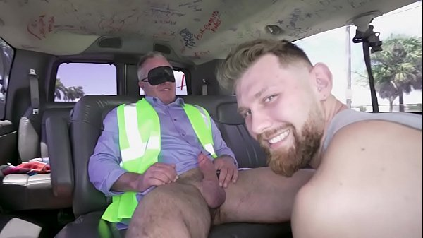 BAIT BUS – Construction Worker Dale Savage Gets Got By Jacob Peterson In A Van!